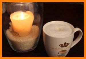 Vanillekipferls und Kaffee